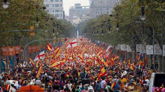 Histórica manifestación en Barcelona en favor de Cataluña en España